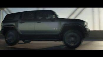 GMC Hummer EV TV Spot, 'The Next All Electric Supertruck' Song by Karen O, Trent Reznor [T1] - Thumbnail 9