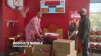 Wendy's Honey Butter Chicken Biscuit TV Spot, 'Reggie Renews His Lease' Featuring Reggie Miller - Thumbnail 2