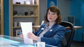 AT&T Wireless TV Spot, 'Lily Uncomplicates: Trash Talk' - Thumbnail 3