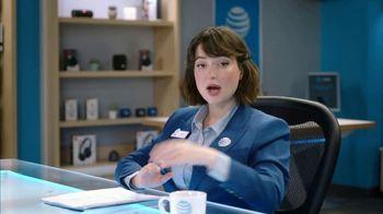 AT&T Wireless TV Spot, 'Lily Uncomplicates: Trash Talk' - Thumbnail 5