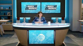 AT&T Wireless TV Spot, 'Lily Uncomplicates: Trash Talk' - Thumbnail 6