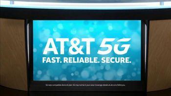 AT&T Wireless TV Spot, 'Lily Uncomplicates: Trash Talk' - Thumbnail 8