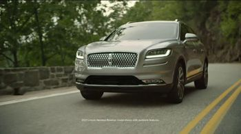 Lincoln Motor Company Spring Sales Event TV Spot, 'Desire to Be Outside' [T2] - Thumbnail 3