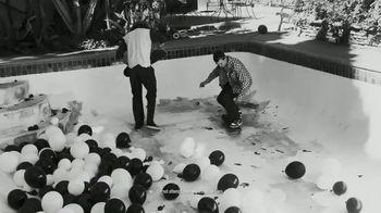 White Claw Hard Seltzer TV Spot, 'Balloon Skate' Song by Coco Elektrik - Thumbnail 3