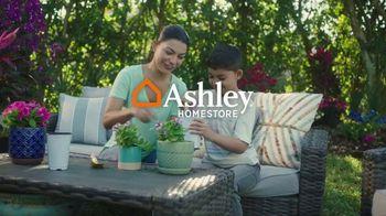 Ashley HomeStore The Big Deal Event TV Spot, '10% adicional y interés especial' [Spanish] - Thumbnail 1