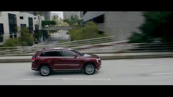 Jeep TV Spot, 'Que hace Jeep' [Spanish] [T2] - Thumbnail 2