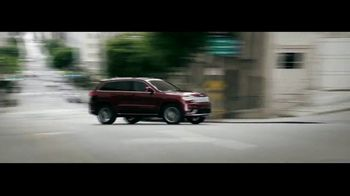 Jeep TV Spot, 'Que hace Jeep' [Spanish] [T2] - Thumbnail 4
