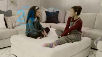 Ashley HomeStore The Big Deal Event TV Spot, 'Save 10%: Bed and Sectional' - Thumbnail 7