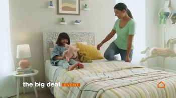 Ashley HomeStore The Big Deal Event TV Spot, 'Ready For Spring: Special Financing' - Thumbnail 5