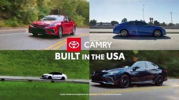 Toyota TV Spot, 'Run the Numbers: Corolla and Camry' [T2] - Thumbnail 5