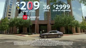 Toyota TV Spot, 'Run the Numbers: Corolla and Camry' [T2] - Thumbnail 9