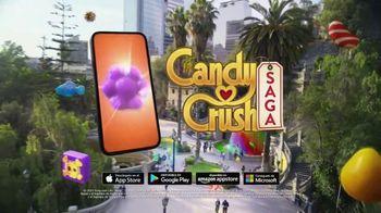Candy Crush Saga TV Spot, 'Evergreen Generic' canción de Dean Martin [Spanish] - Thumbnail 5