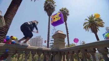 Candy Crush Saga TV Spot, 'Evergreen Generic' canción de Dean Martin [Spanish] - Thumbnail 3