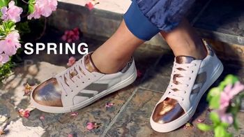 Macy's TV Spot, 'Spring Refresh: Sandals, Sneakers and Jewelry' - Thumbnail 1