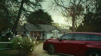 2021 Toyota Highlander TV Spot, 'Don't Mention It' [T2] - Thumbnail 1