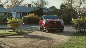 2021 Toyota Highlander TV Spot, 'Don't Mention It' [T2] - Thumbnail 8