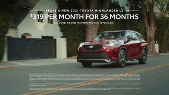 2021 Toyota Highlander TV Spot, 'Don't Mention It' [T2] - Thumbnail 9