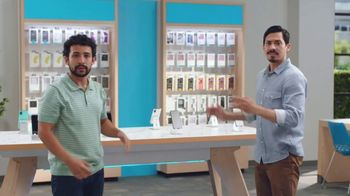 AT&T Wireless TV Spot, 'Best Deals Back to School: poquito' [Spanish]