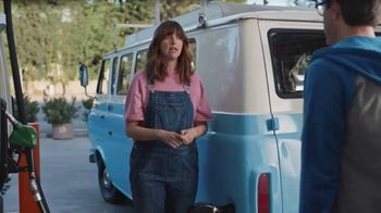 76 Gas Station TV Spot, 'Jean and Gene's Awesome Adventure Road Trip: Fill Up' - Thumbnail 3