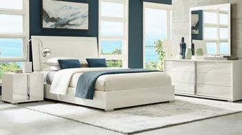 Rooms to Go Memorial Day Sale TV Spot, 'Sleek & Stylish Five-Piece Bedroom Set' - Thumbnail 5