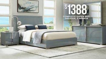 Rooms to Go Memorial Day Sale TV Spot, 'Sleek & Stylish Five-Piece Bedroom Set' - Thumbnail 6