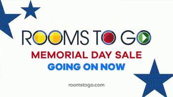 Rooms to Go Memorial Day Sale TV Spot, 'Complete Queen Bed, Dresser & Mirror' - Thumbnail 10