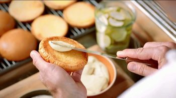 Popeyes Chicken Sandwich TV Spot, 'The Sandwich: Rewards' - Thumbnail 4