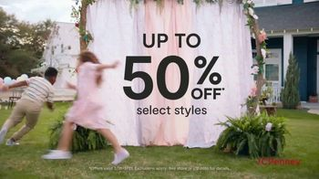 JCPenney Friends & Family Sale TV Spot, 'Fresh Looks for All' - Thumbnail 4