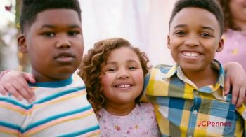 JCPenney Friends & Family Sale TV Spot, 'Fresh Looks for All'