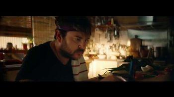 Apple iPhone 12 TV Spot, 'Cocinero' canción de Naïka [Spanish] - Thumbnail 2