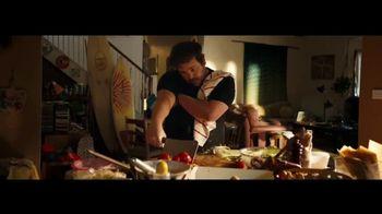 Apple iPhone 12 TV Spot, 'Cocinero' canción de Naïka [Spanish]