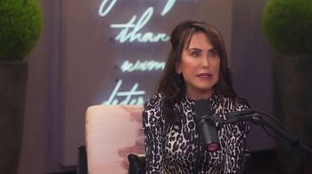 I've Got A Secret! With Robin McGraw TV Spot, 'June Diane Raphael' - Thumbnail 6