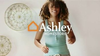 Ashley HomeStore Anniversary Sale Mattress Event TV Spot, '$200 Rewards Card' - Thumbnail 1