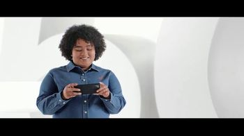 Verizon TV Spot, 'Lo mejor: 5G sin costo addicional, Disney+, Discovery+ y teléfonos' [Spanish] - Thumbnail 4