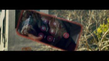 Apple iPhone TV Spot, 'Fumbling' Song by Nitin Sawhney - Thumbnail 7