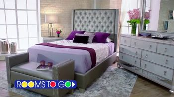 Rooms to Go 30th Anniversary Sale TV Spot, 'Make It Last' Ft. Sofia Vergara & Cindy Crawford, Song by Pitbull - Thumbnail 8