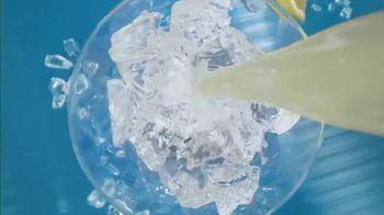 Bud Light Seltzer Lemonade TV Spot, 'Hello, Summer' Song by Louis the Child, EARTHGANG - Thumbnail 5