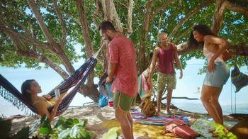 Corona Hard Seltzer TV Spot, 'Hola Beach Hunt' canción de Pete Rodriguez  [Spanish] - Thumbnail 5