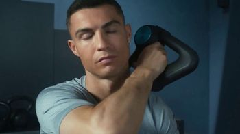 Therabody Theragun Pro TV Spot, 'CR7' Featuring Cristiano Ronaldo, Song by Kodaline - Thumbnail 7