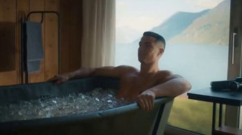 Therabody Theragun Pro TV Spot, 'CR7' Featuring Cristiano Ronaldo, Song by Kodaline - Thumbnail 8