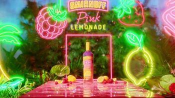 Smirnoff Pink Lemonade TV Spot, 'El sabor que estabas esperando' canción de Missy Elliot [Spanish]