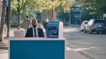 BMO Harris Bank TV Spot, 'Food Truck' Featuring Lamorne Morris - Thumbnail 3