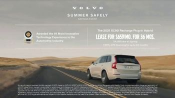 Volvo Summer Safely Savings Event TV Spot, 'Drive the Future' Song by Squeak E Clean Studios, Kit Conway [T2] - Thumbnail 10