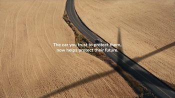 Volvo Summer Safely Savings Event TV Spot, 'Drive the Future' Song by Squeak E Clean Studios, Kit Conway [T2] - Thumbnail 7