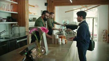 Apple iPhone TV Spot, 'Rastrear' canción de Delta 5 [Spanish] - Thumbnail 1