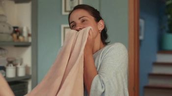 Downy Infusions TV Spot, 'Chaotic Kids' - Thumbnail 8