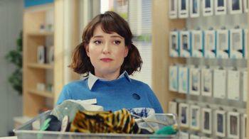 AT&T Wireless TV Spot, 'Best Deals: camisa de la suerte' [Spanish] - Thumbnail 8