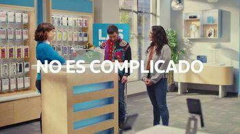 AT&T Wireless TV Spot, 'Best Deals: camisa de la suerte' [Spanish] - Thumbnail 9