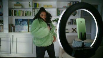 Cricket Wireless TV Spot, 'Mom Dancing to K-Pop: Free Moto G Play' - Thumbnail 2