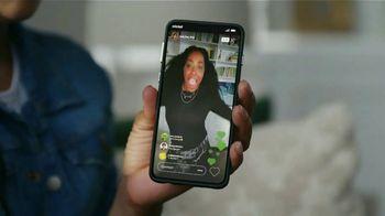 Cricket Wireless TV Spot, 'Mom Dancing to K-Pop: Free Moto G Play' - Thumbnail 5
